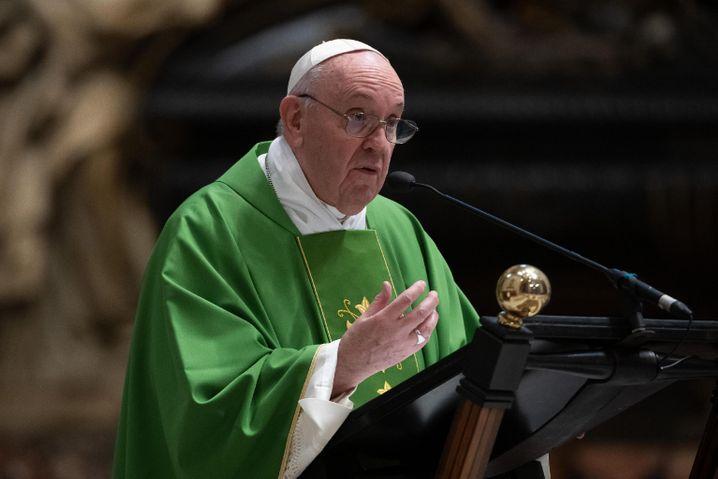 "Papst Franziskus (am 28. September im Petersdom): ""Er zeigt die eiserne Faust"""
