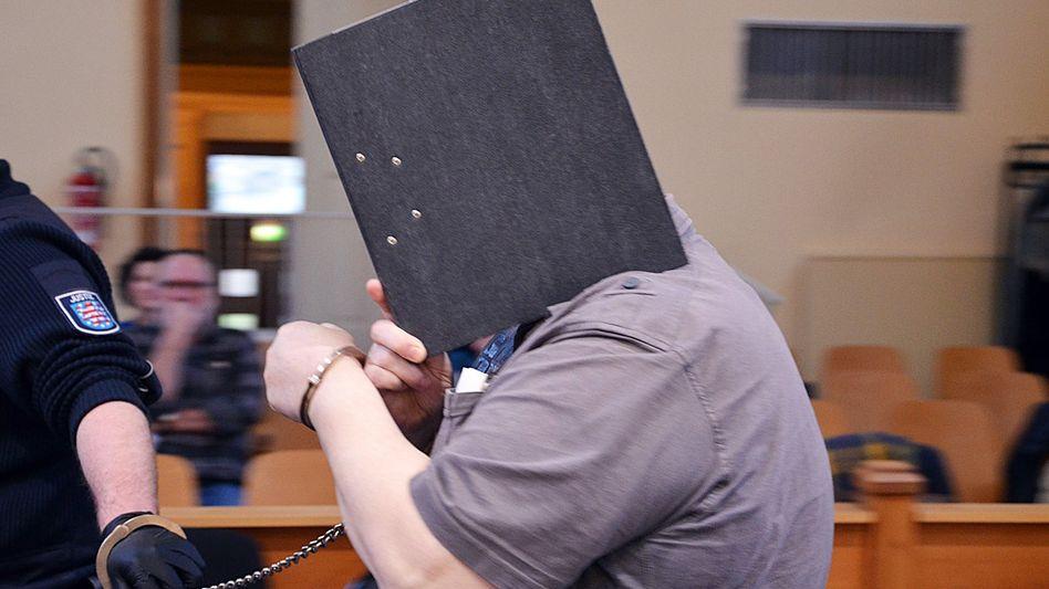 Angeklagter im Landgericht Gera
