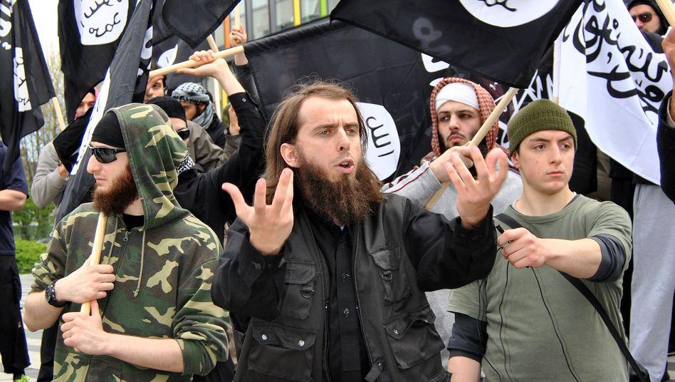 """Demonstration islamischer Fundamentalisten (Archivbild): """"Die vier M"""""""