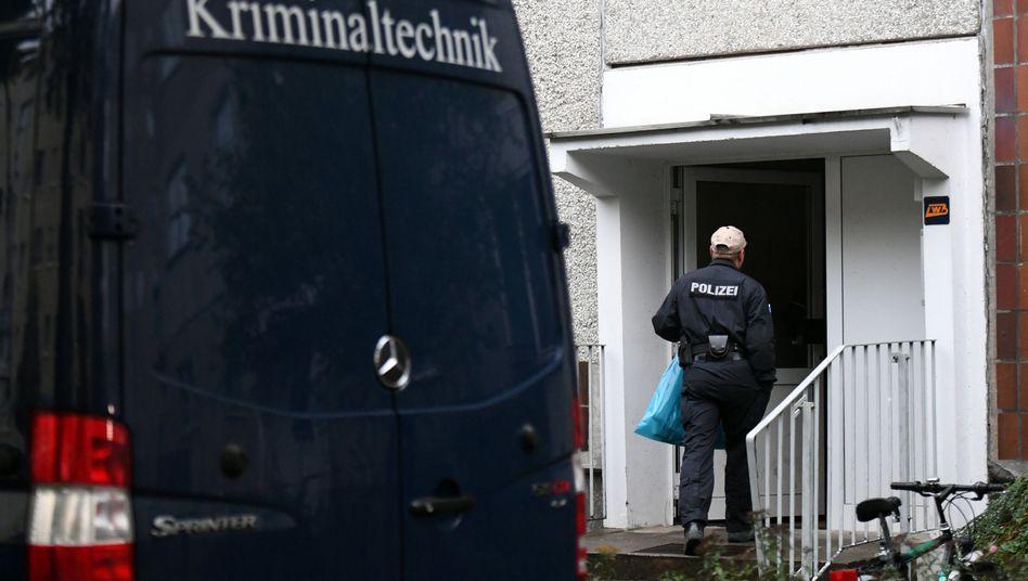 Polizei untersucht Wohnung in Leipzig