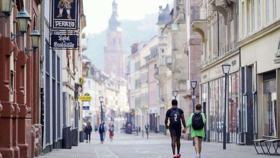 Fast menschenleere Einkaufsstraße in Heidelberg