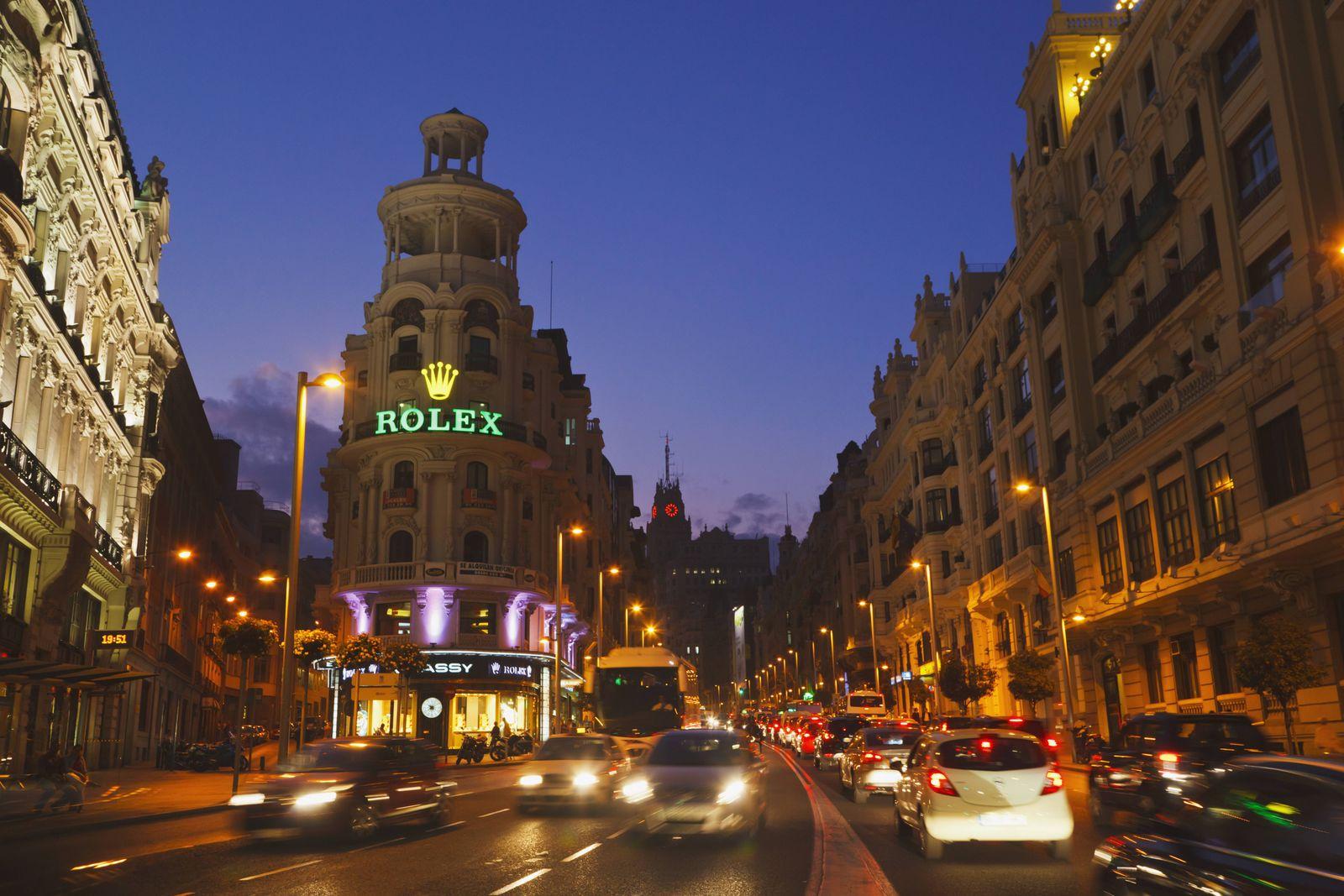 Gran Via At Night Madrid Spain PUBLICATIONxINxGERxSUIxAUTxONLY Copyright KenxWelsh 2076532