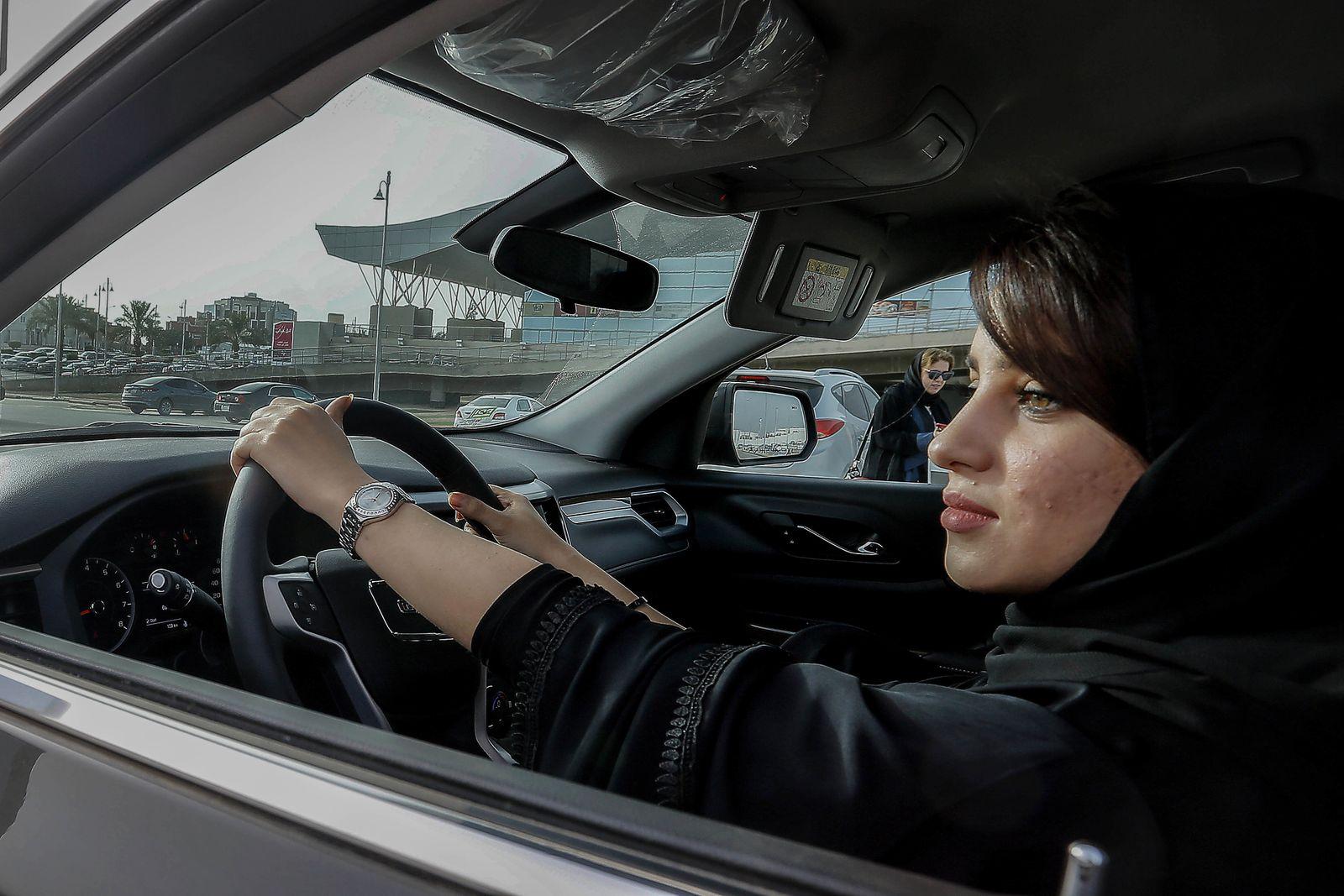 Automesse für Frauen in Saudi-Arabien