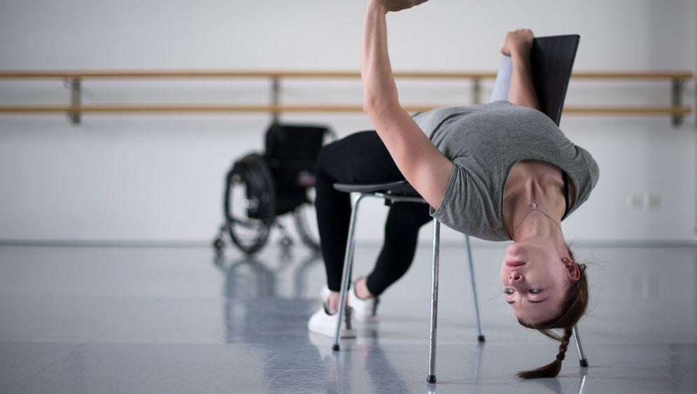 Bachelorprüfung im Rollstuhl: Sophie tanzt. Und tanzt. Und tanzt.