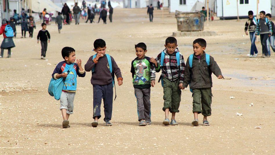 Syrische Flüchtlingskinder in einem Flüchtlingslager in Jordanien