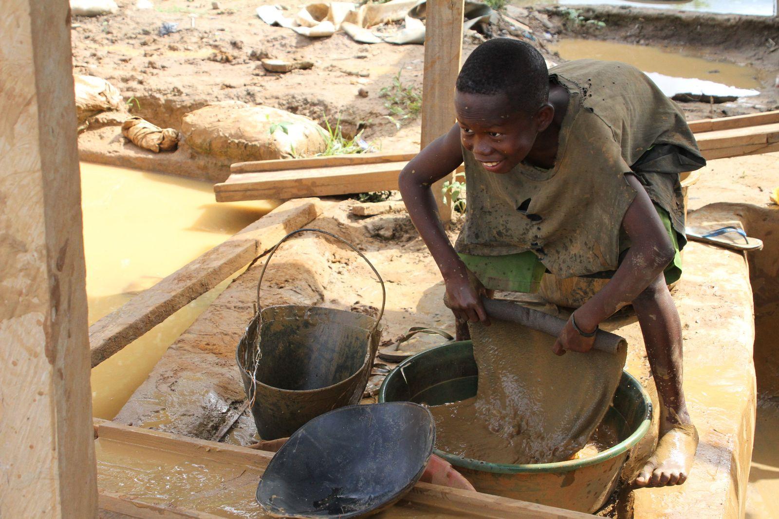 Kinderarbeit in Goldminen in Ghana