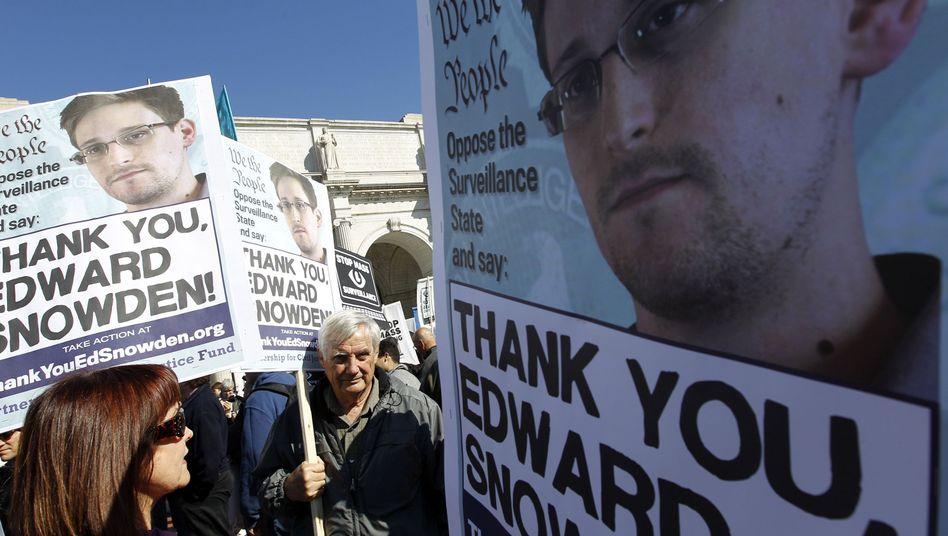 Demo für Snowden in den USA (Archivbild): Whistleblower könnte in Moskau offiziell befragt werden