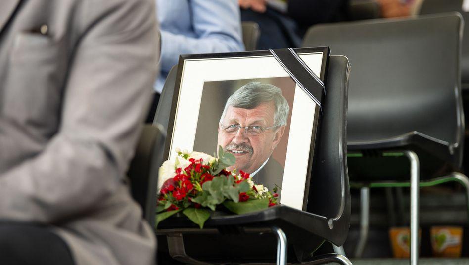 Tatverdächtiger gefasst: Porträtfoto des erschossenen Kasseler Regierungspräsidenten Walter Lübcke