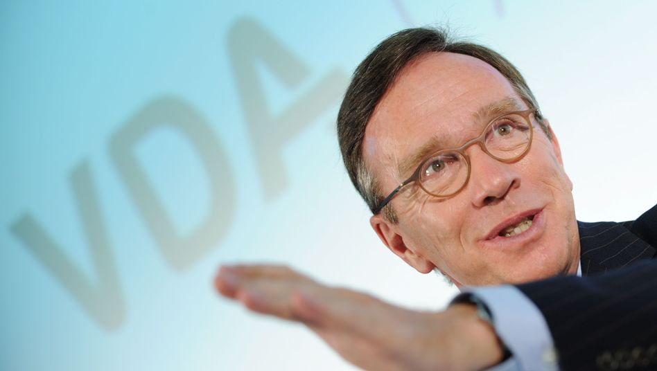 Matthias Wissmann: Der VDA-Präsident bittet Angela Merkel um Hilfe