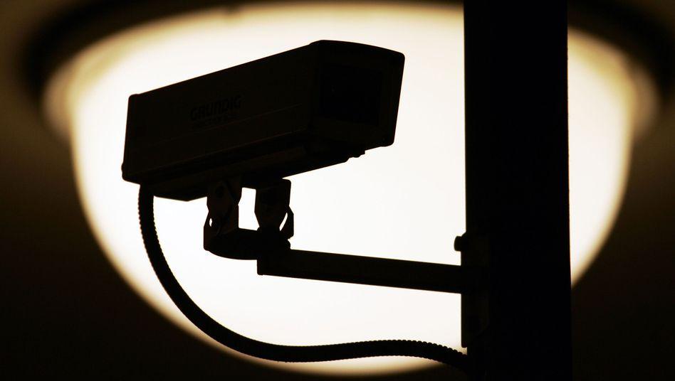 Videoüberwachungskamera: Aktuell werden 20 Verdächtige mit Kameras überwacht