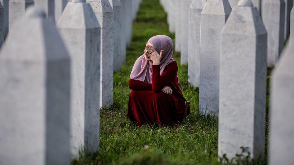 Friedhof in Potocari, Bosnien-Herzegowina, letzte Ruhestätte für Opfer des Massakers von Srebrenica