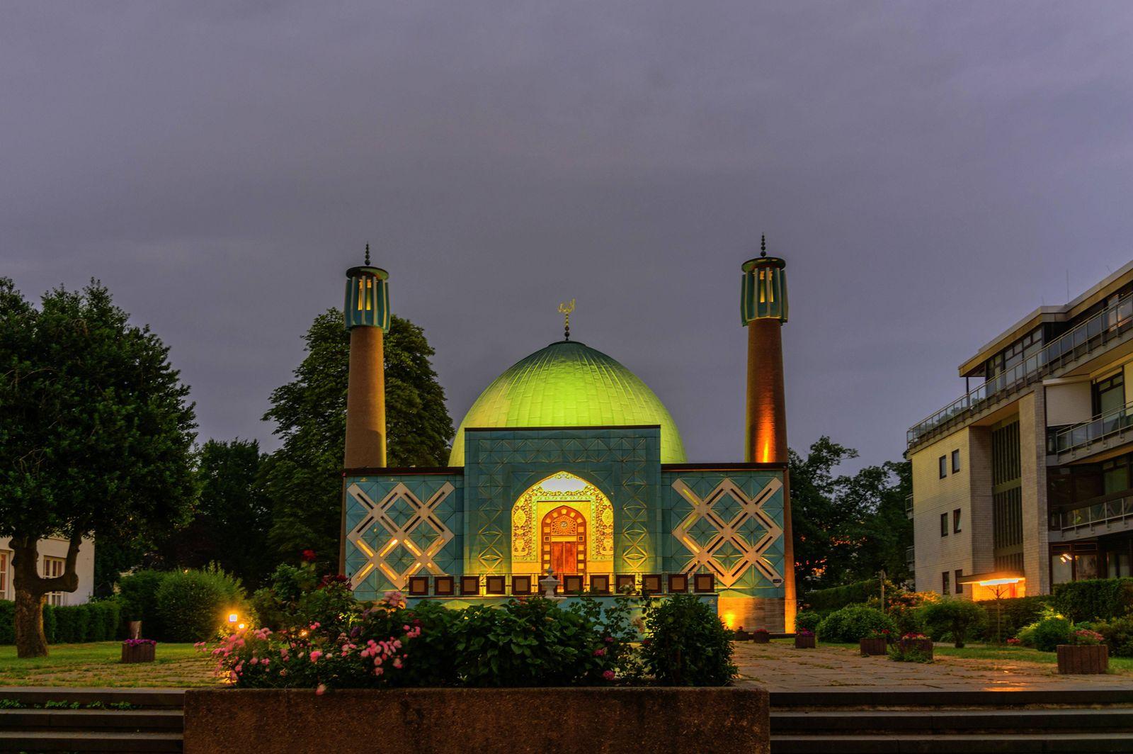Die Imam Ali Moschee des Islamische Zentrums Hamburg Hamburg 17 06 2018 *** The Imam Ali Mosque of