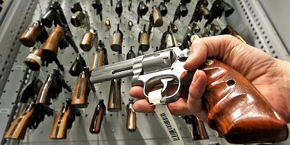Pistolen in der Waffenkammer: Zentrale Verwahrung gefordert