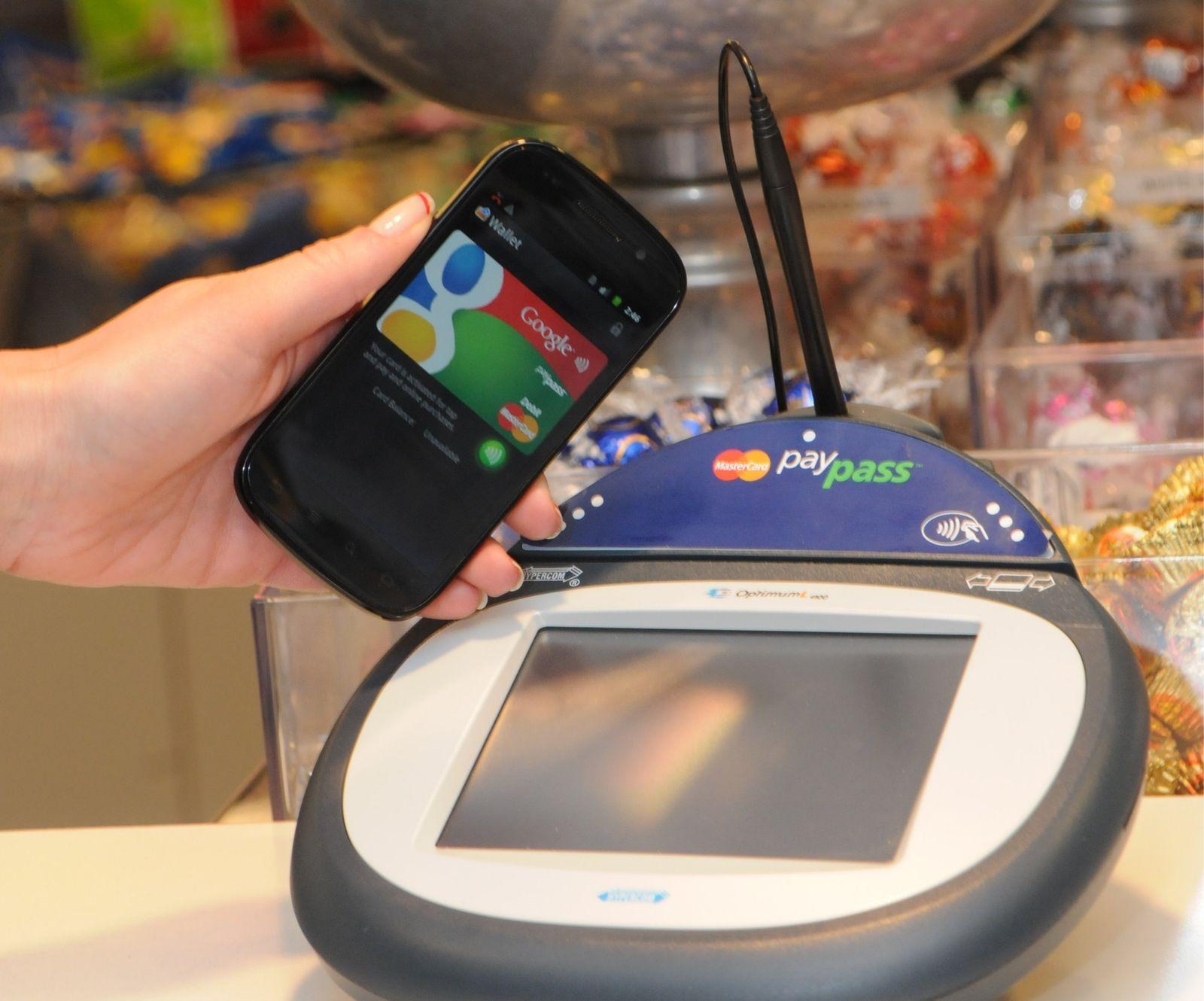 NFC Technologie / Bezahlen per Handy / PayPass
