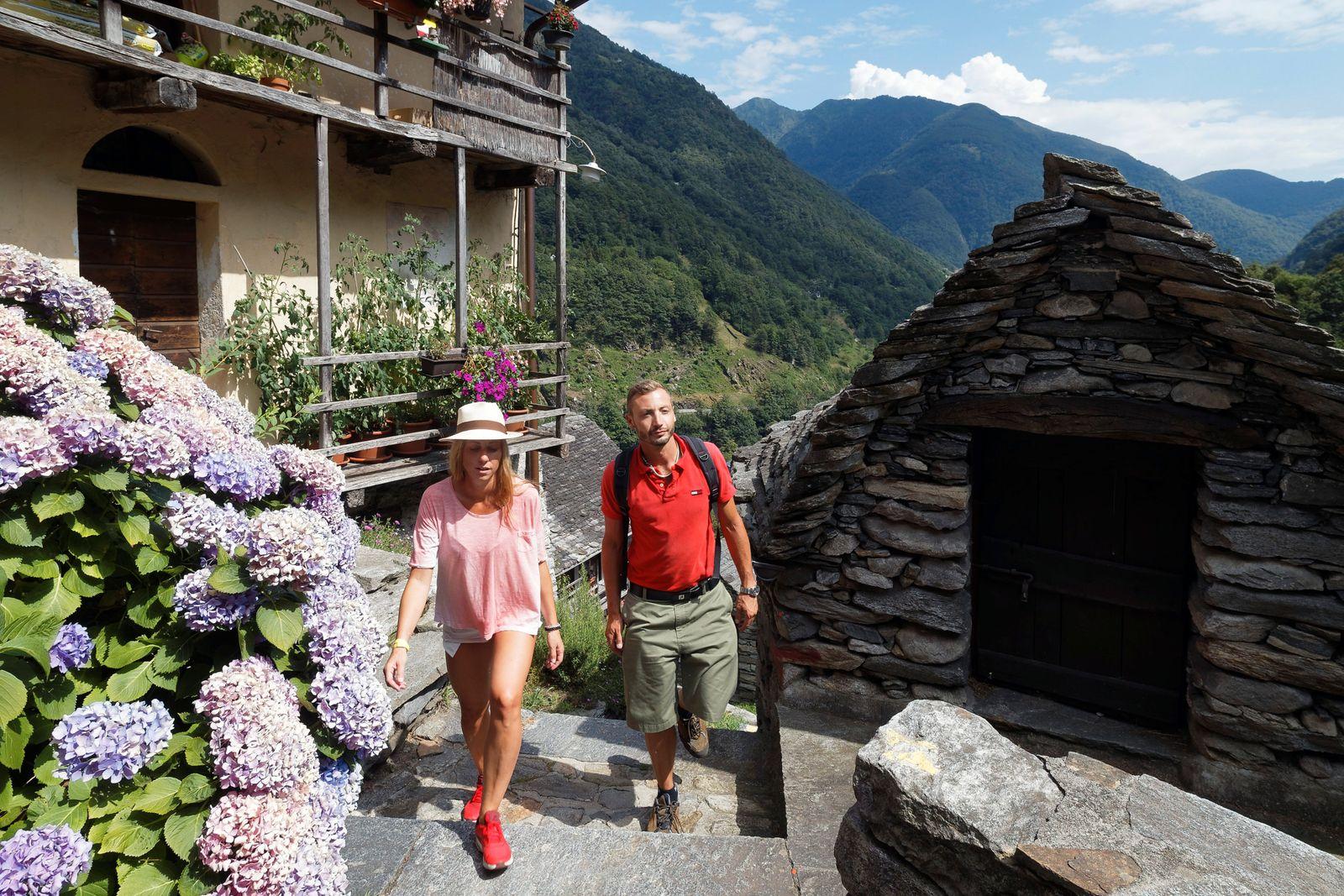 Ticino Turismo - Piccoli Paesi: Corippo