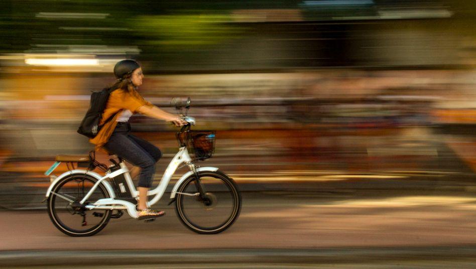 Schnell, bequem, aber auch sicher? E-Bikes liegen im Trend, es gibt jedoch große Qualitätsunterschiede