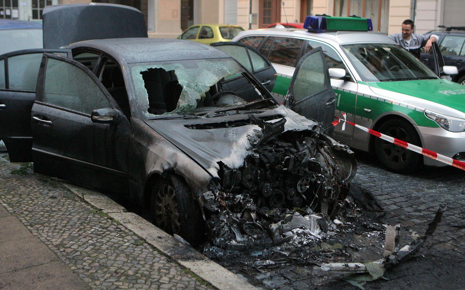 Abgebranntes Auto in Berlin