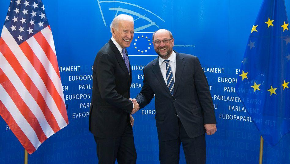 Der damalige US-Vizepräsident Biden 2015 zu Besuch beim damaligen EU-Parlamentspräsidenten Martin Schulz in Brüssel