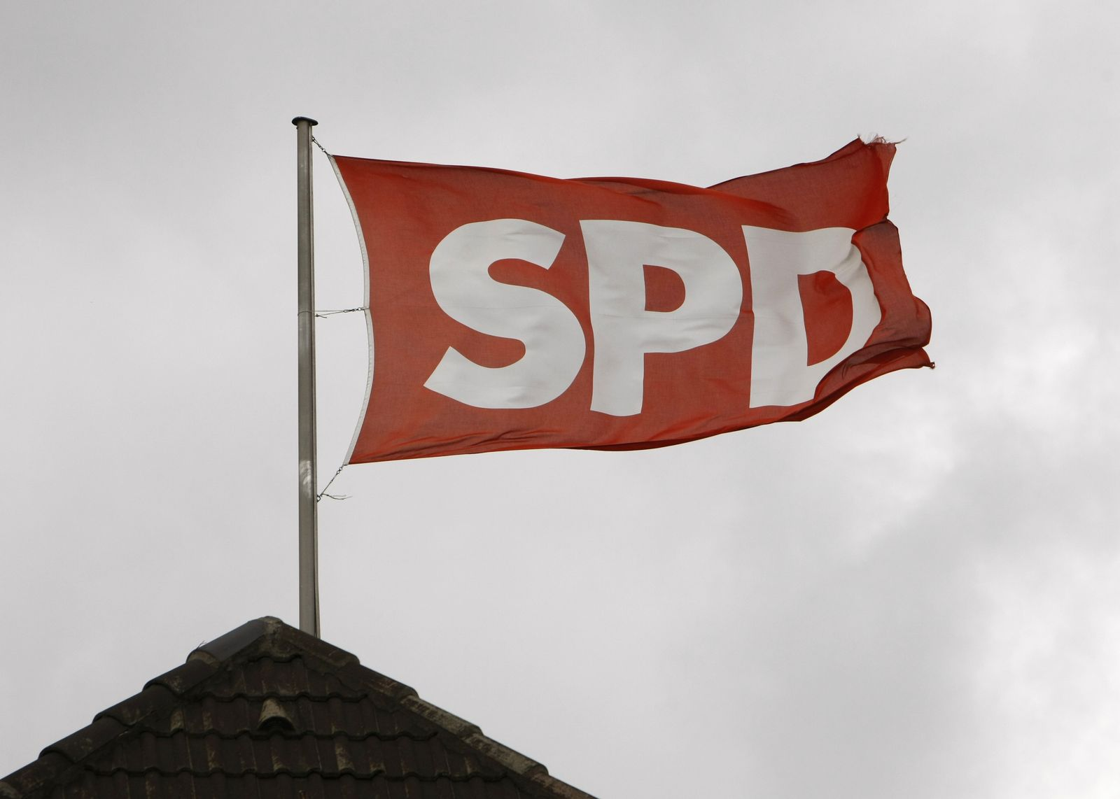 SPD / Flaggen / Fahnen / dramatisch