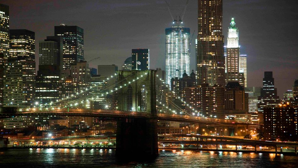 Il fondo comprende grattacieli a San Francisco, New York e Chicago.