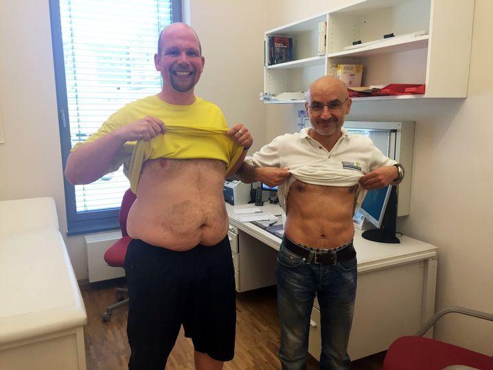 Bauchvergleich: Doktor Dimeo (rechts) fordert intensiveres Training