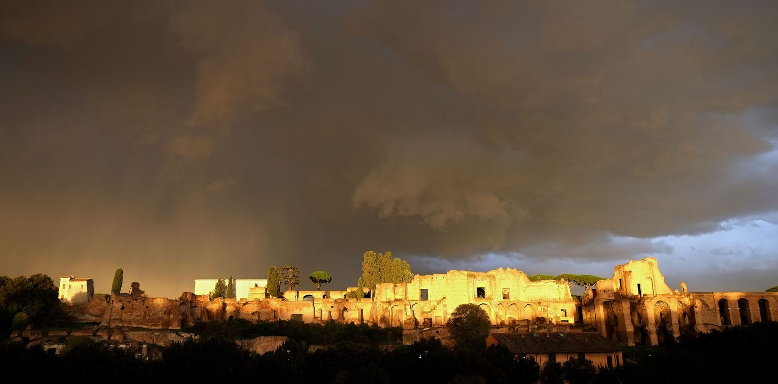 ITALY-ROME-CIRCUS MAXIMUS-SUN