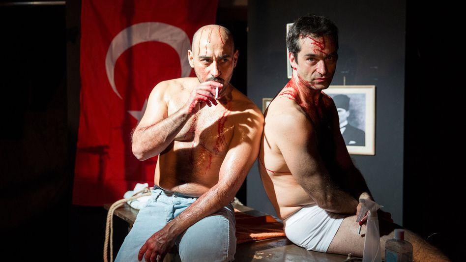 Schauspieler Ismail Deniz (l.) und Bijan Zamani