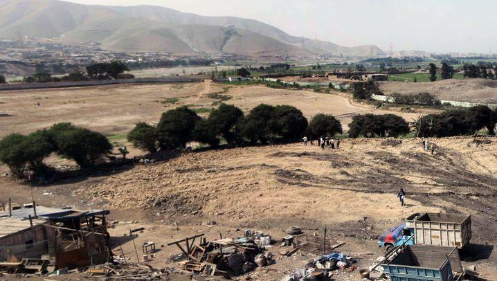 Peru: Präinkaische Pyramide von Baggern zerstört