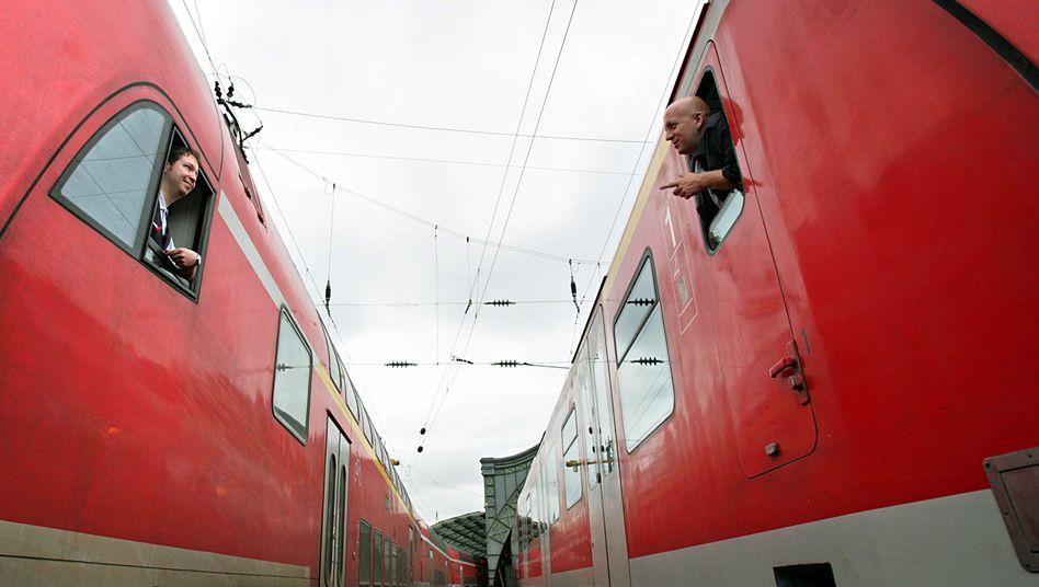 Zwei Bahnführer in Köln