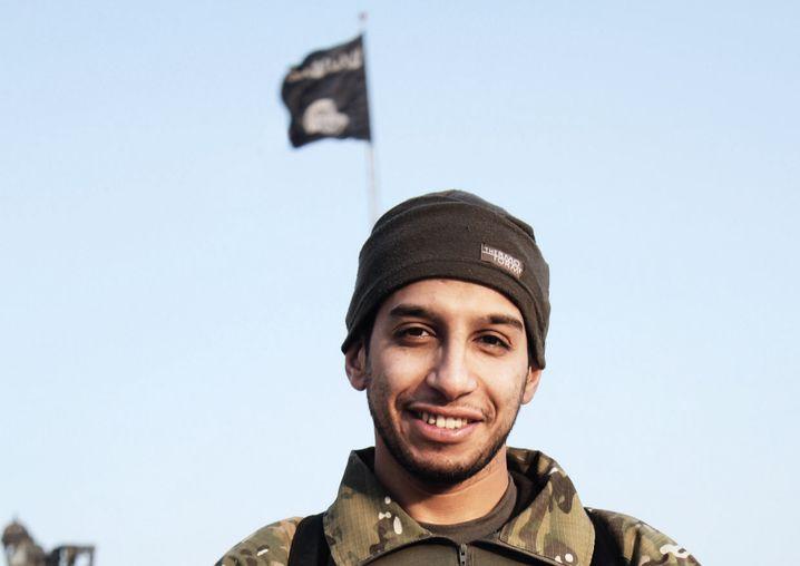 Belgischer Terrorist Abu Umar Al-Baljiki (aka Abdelhamid Abaaoud, aka AbuUmar Al-Baljiki)