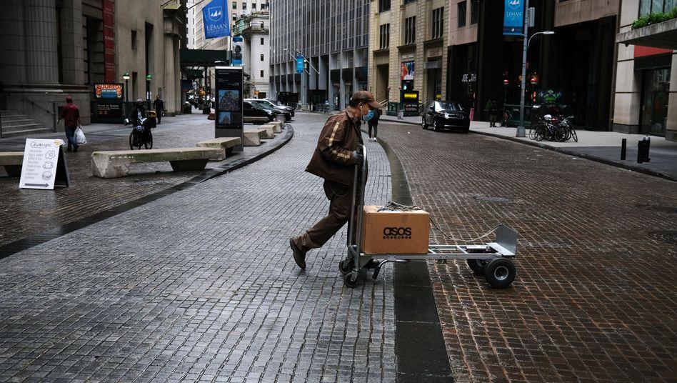 Straßenszene im Finanzdistrikt von New York, 8. Mai 2020
