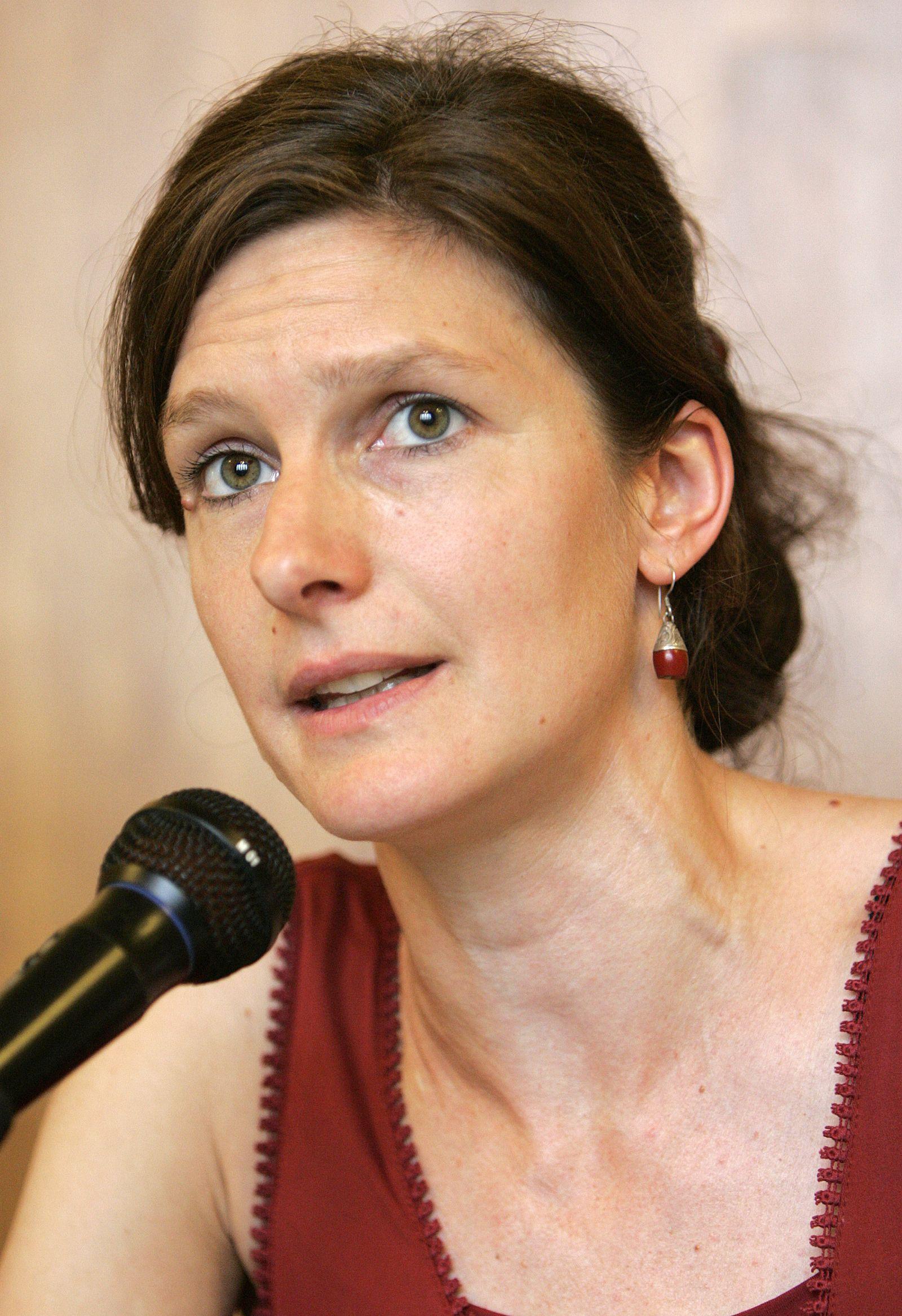EINMALIGE VERWENDUNG Beatrice Schmid