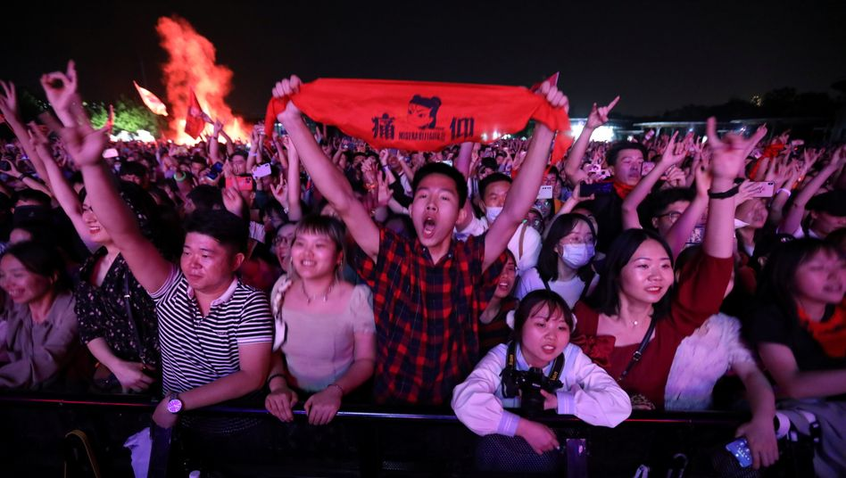 Fans beim »Strawberry Music Festival« in Wuhan am Samstag