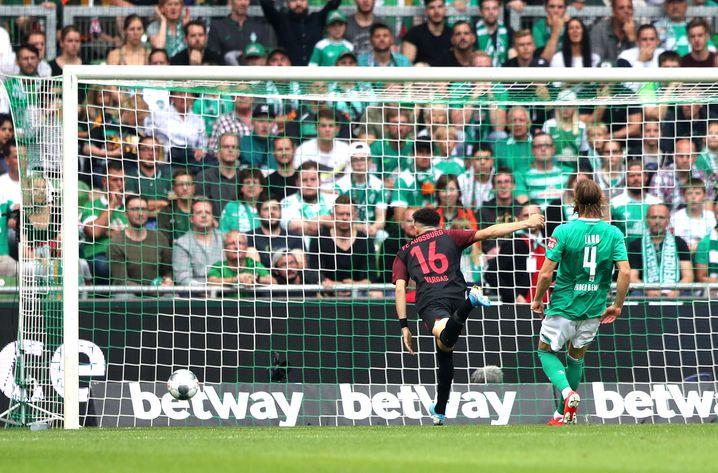 Augsburgs Ruben Vargas holte sein Team zweimal zurück ins Spiel