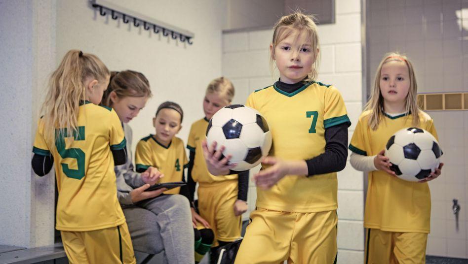 Mädchen beim Fußball