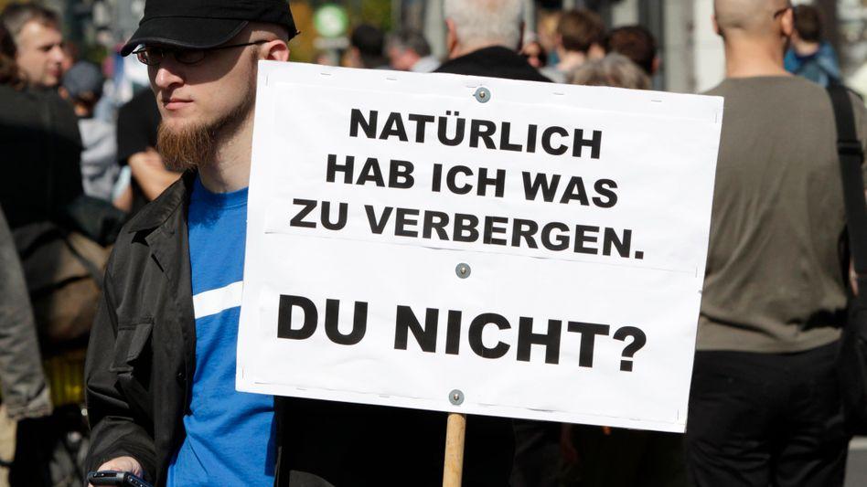 Datenschutz-Demo in Berlin (September 2010): Grundrecht und Pflicht