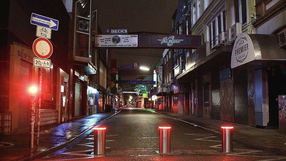 Menschenleere Amüsiermeile in Hamburg St. Pauli: »Verfassungsrechtliche Bedenken«