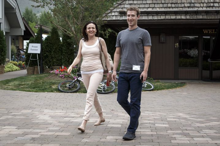 Sandberg und Zuckerberg im Jahr 2014