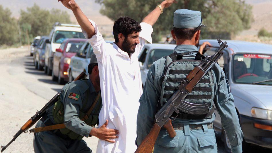 Kontrolle in Afghanistan: Verschärfte Sicherheitsvorkehrungen nach dem Anschlag