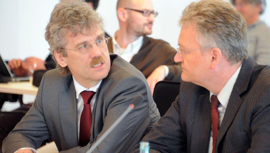Ablösung: Jörg Marks (r.) folgt auf Jochen Großmann (l.)