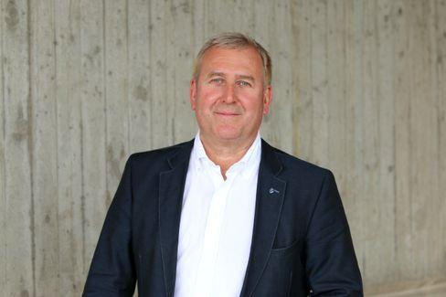 Sportmediziner Hans-Georg Predel sieht darin kein Problem, wenn Freizeitläufer eine Maske tragen müssen