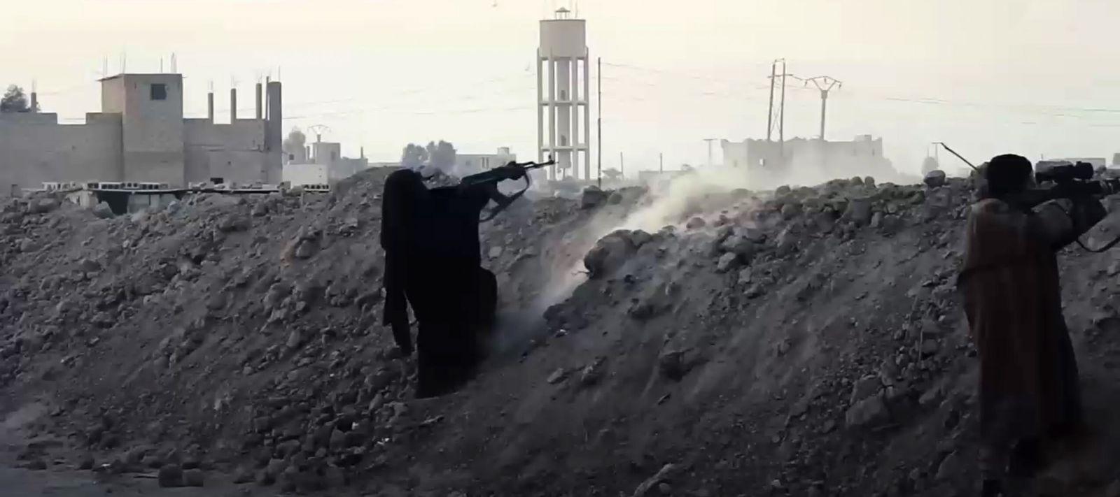 EINMALIGE VERWENDUNG SCREENSHOT/ IS/ Kämpferinnen/ Frauen