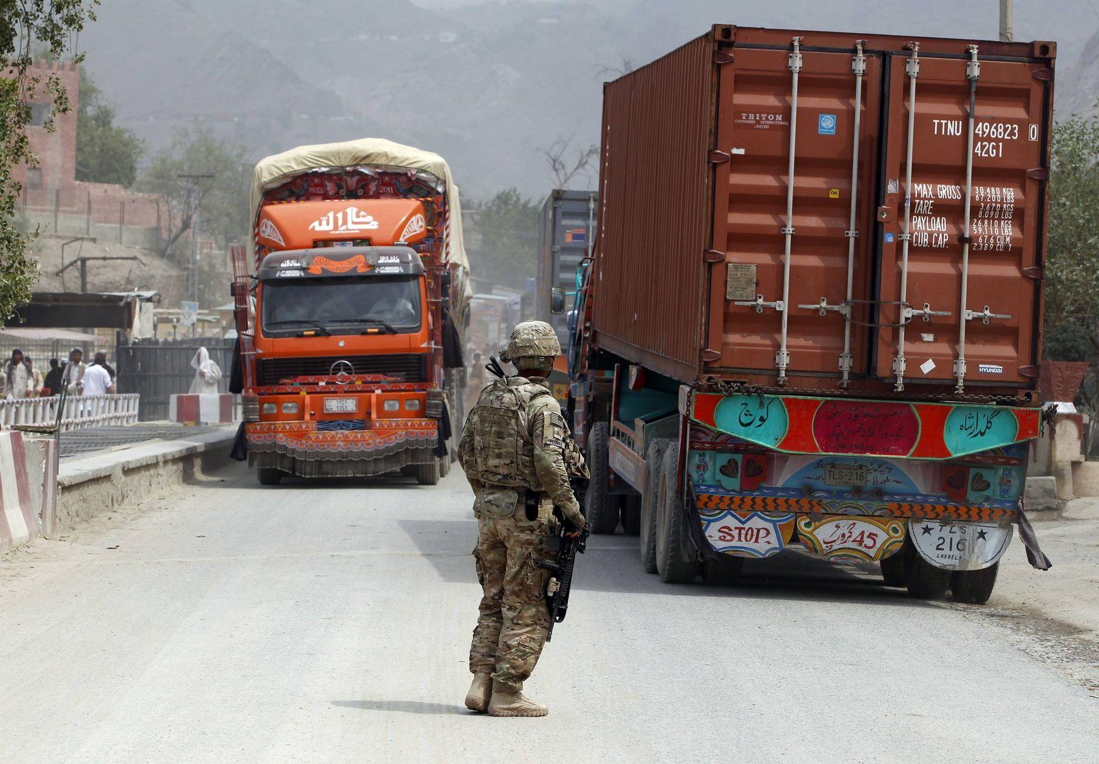 Afghanistan Lastwagen Soldat