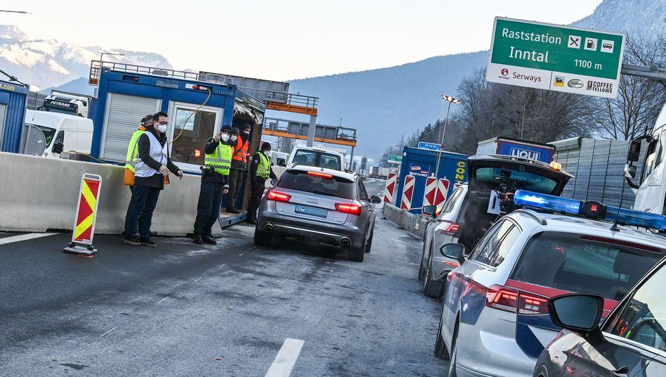 Grenze zwischen Tirol und Deutschland: Ab Sonntag wird auf deutscher Seite kontrolliert