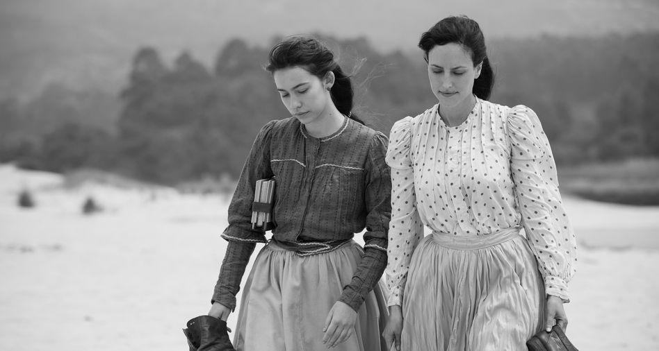 "Szene aus Netflix-Film ""Elisa y Marcela"""