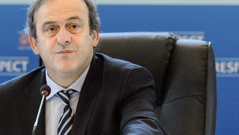 """Uefa-Boss Platini: """"Wir müssen keine Stadien oder Flughäfen bauen"""""""