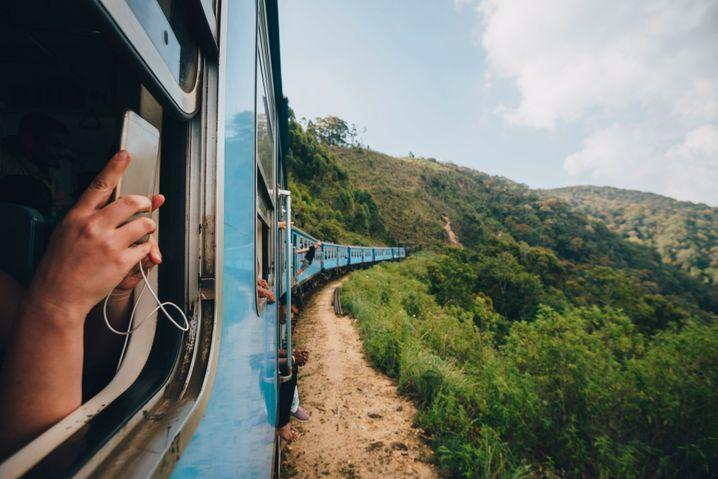 Zugfahrt zwischen Kandy und Ella: Es darf wieder individuell gereist werden