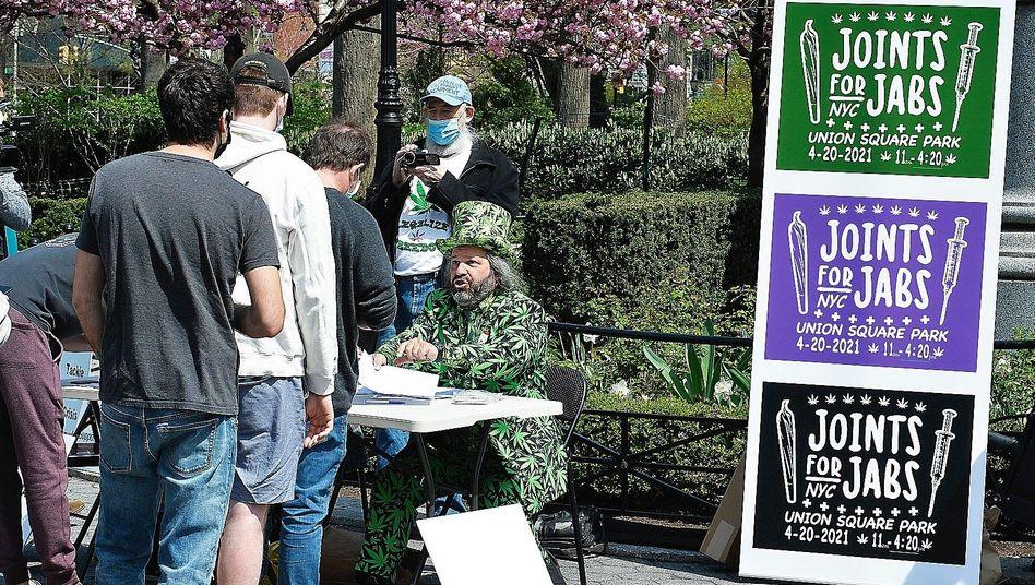 Aktion in New York: Erst die Spritze, dann einen Joint