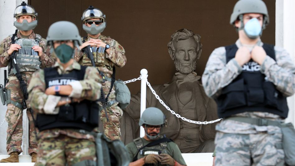 Soldaten der Nationalgarde vor dem Lincoln Memorial in der US-Hauptstadt Washington, 2. Juni 2020