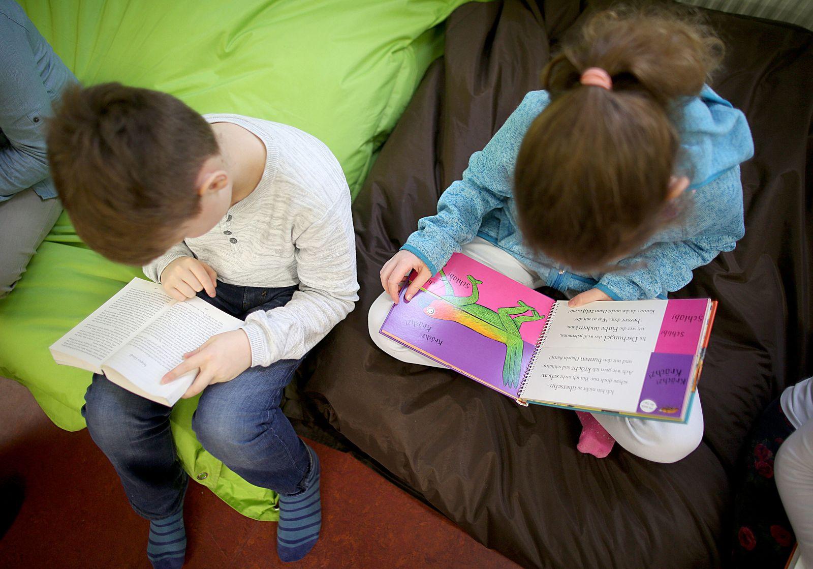 Kinder lesen im Leseclub